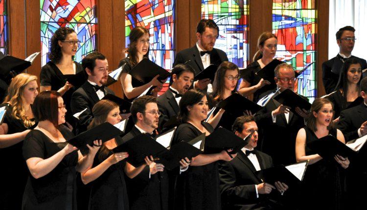 Cantar pode reduzir o stress laboral e a sensação de isolamento social