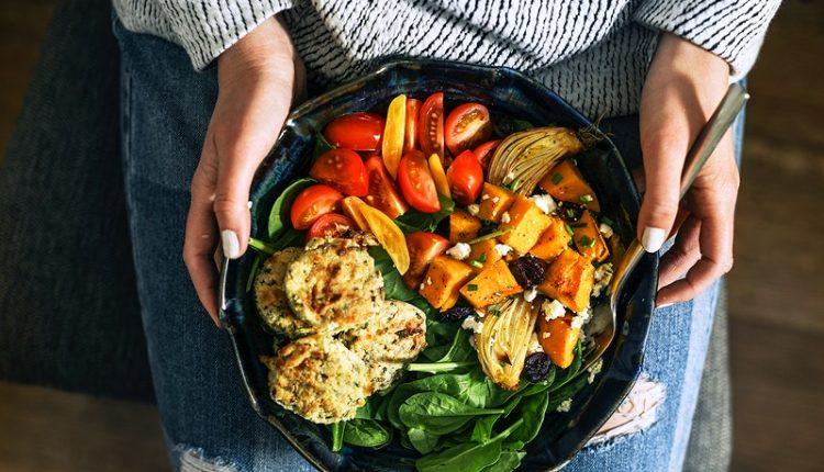 Dieta vegetariana pode ser tão eficaz para emagrecer como a mediterrânica