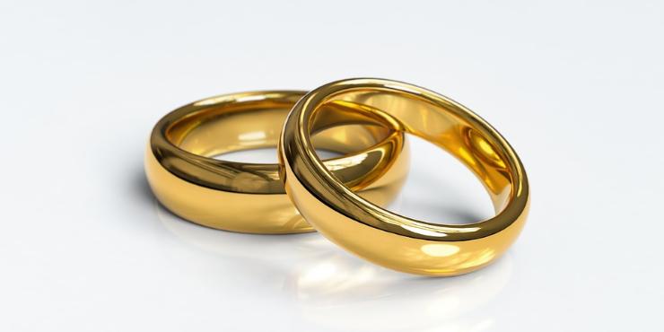 Estudo. Felicidade está mais no casamento que no banco