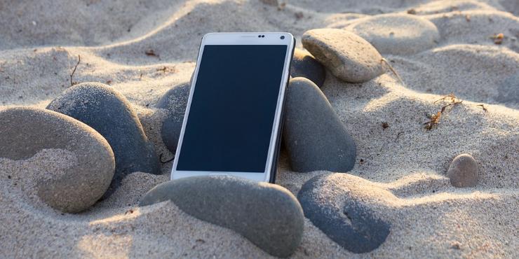 Nas férias muitos preferem esquecer o smartphone