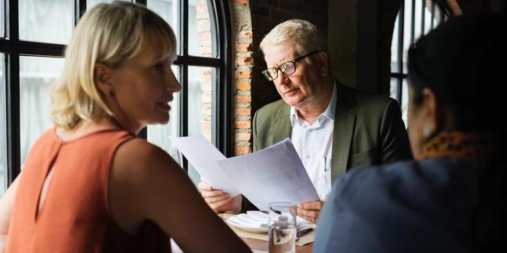 Estudo: falar sobre o salário com colegas ainda é tabu?