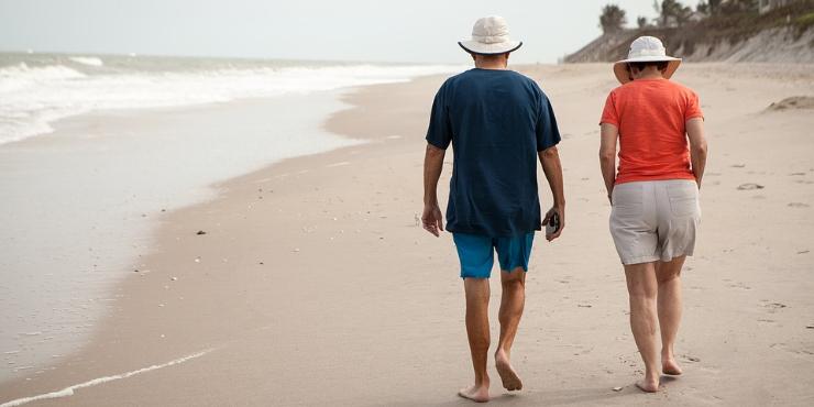 """5 destinos """"low-kost"""" (com praia) para passar a reforma"""