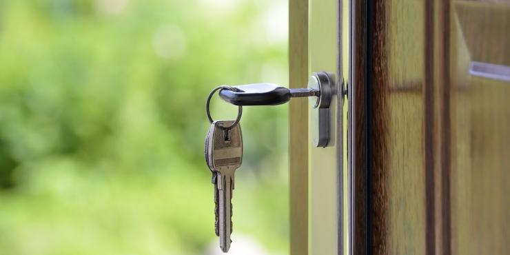 Apartamento ou moradia? 4 fatores para o ajudar a escolher